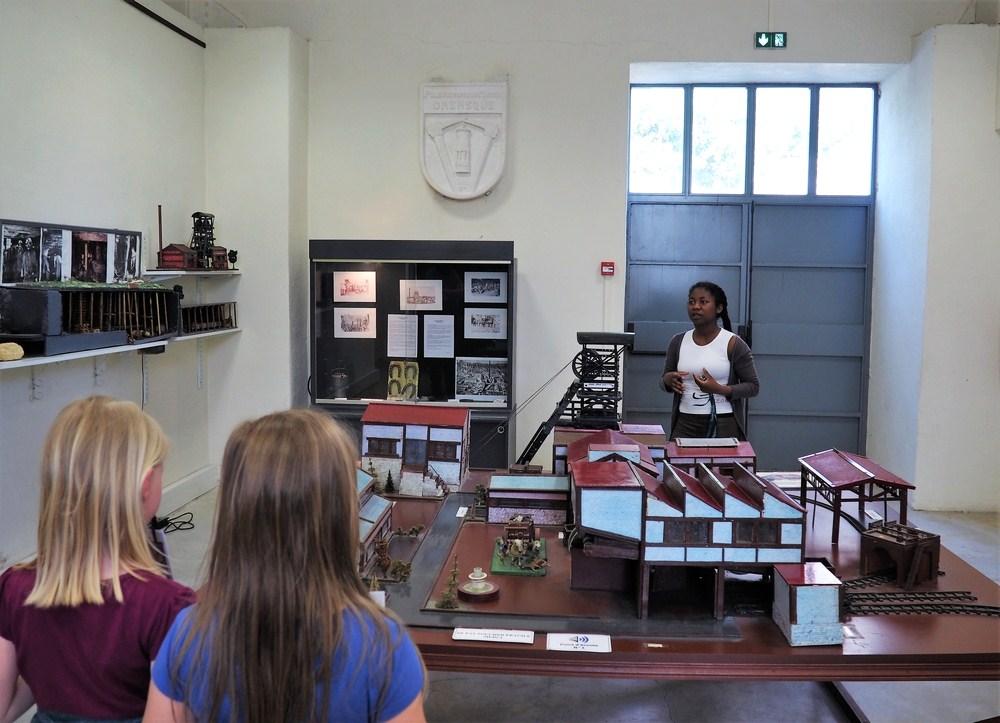 Salle d'exposition maquettes réalisées par un ancien mineur